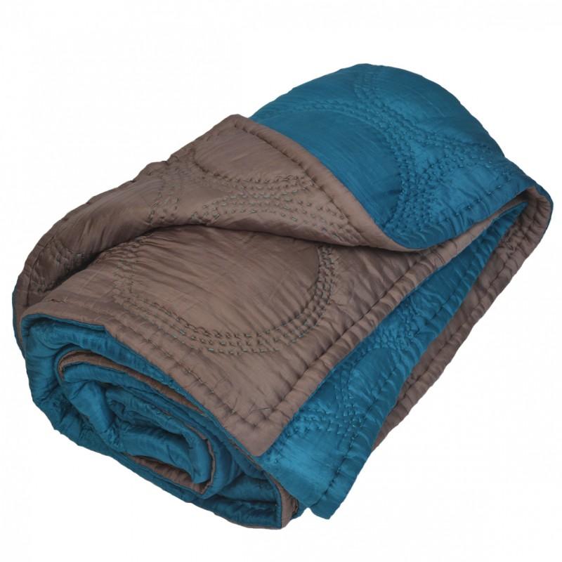 boutis couvre lit en soie bleu bronze. Black Bedroom Furniture Sets. Home Design Ideas